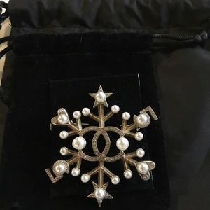 Authentic Beautiful Chanel Brooch